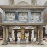 Santa_Giustina_Padua_-_Tomb_of_Saint_Matthias_resize