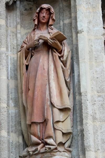 """Miguel Hermoso Cuesta [<a href=""""https://creativecommons.org/licenses/by-sa/3.0/es/deed.en""""  target=""""_blank"""">CC BY-SA 3.0 es</a>], <a href=""""https://commons.wikimedia.org/wiki/File:Santa_Florentina,_Puerta_del_Bautismo._01.JPG""""  target=""""_blank"""">via Wikimedia Commons</a>"""