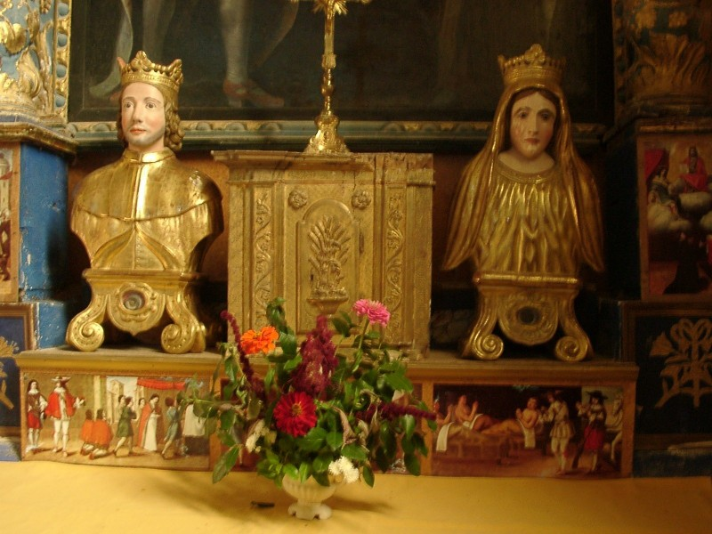 """Reliquary busts of the Saints Delphine and Elzéar at the village Church (Ansouis personal photo)  <a href=""""https://commons.wikimedia.org/wiki/File:Ansouis_5.jpg"""" title=""""via Wikimedia Commons"""" target=""""_blank"""">The original uploader was Rikiwiki21 at French Wikipedia.</a> / <a href=""""http://www.gnu.org/licenses/gpl.html"""" target=""""_blank"""">GPL</a>"""